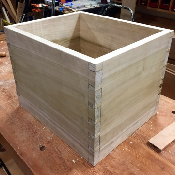 It's a box with wrap around grain.